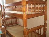 Кровать деревянная, двухярусная